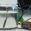 Image - Stanford scientists develop water splitter that runs on ordinary AAA battery