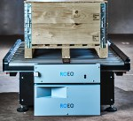 Image - New ROEQ GuardCom system delivers faster transfer of goods between mobile robots and stationary conveyors